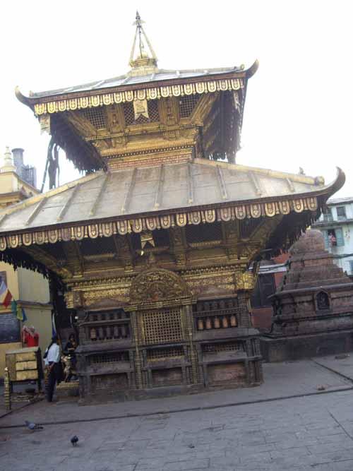 Храм на площад Дърбър
